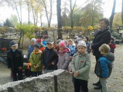Galeria Wyjście na cmentarz