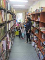 Galeria Wycieczka do biblioteki i na pocztę