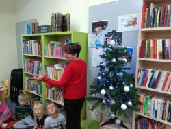 Galeria święta w bibliotece