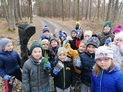 Galeria Myszki sprzątają las